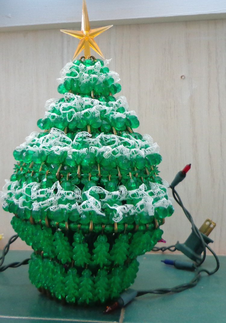 Green Lace Beaded Christmas Tree Kit